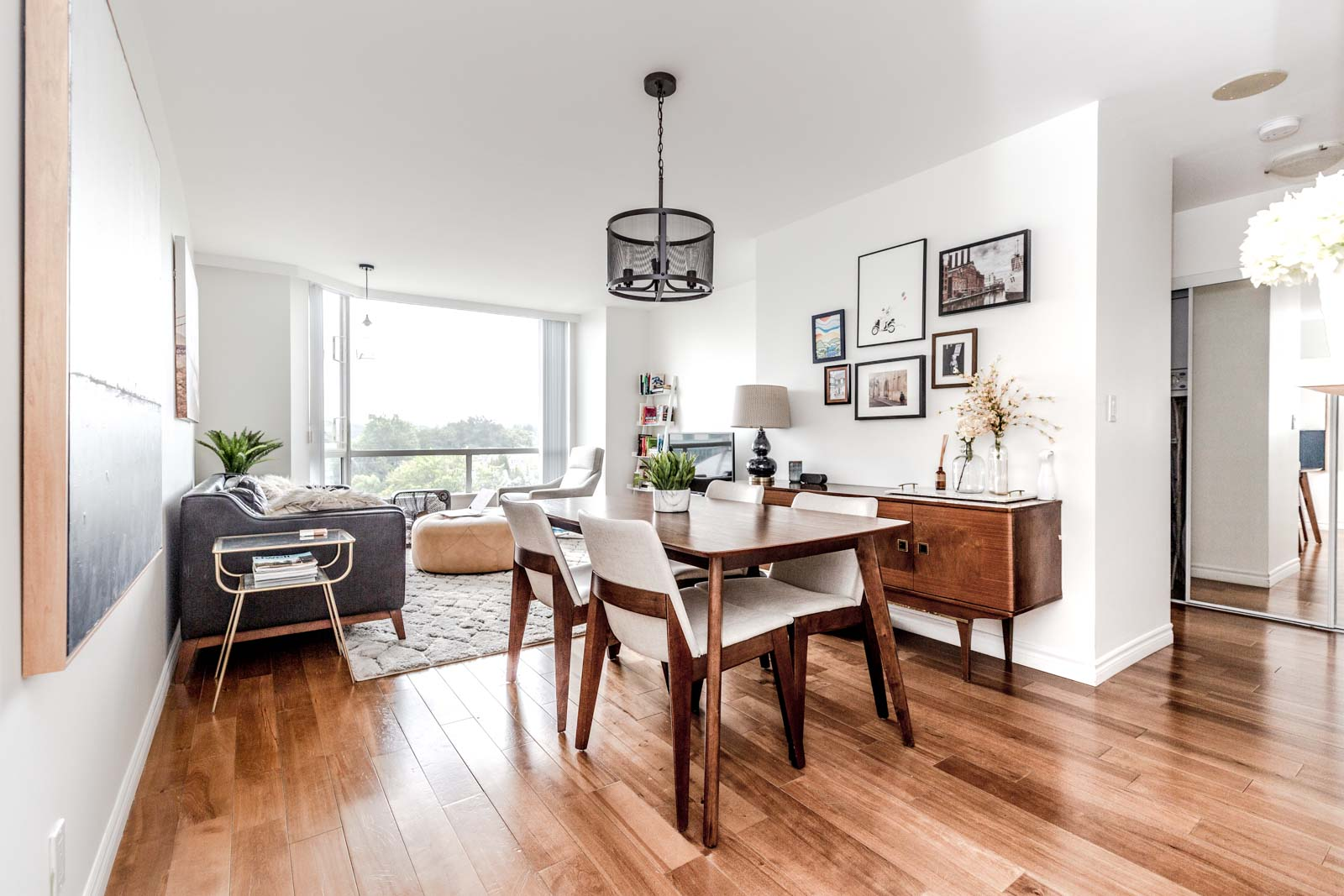 Airy one-bedroom home at Ash and W 11th