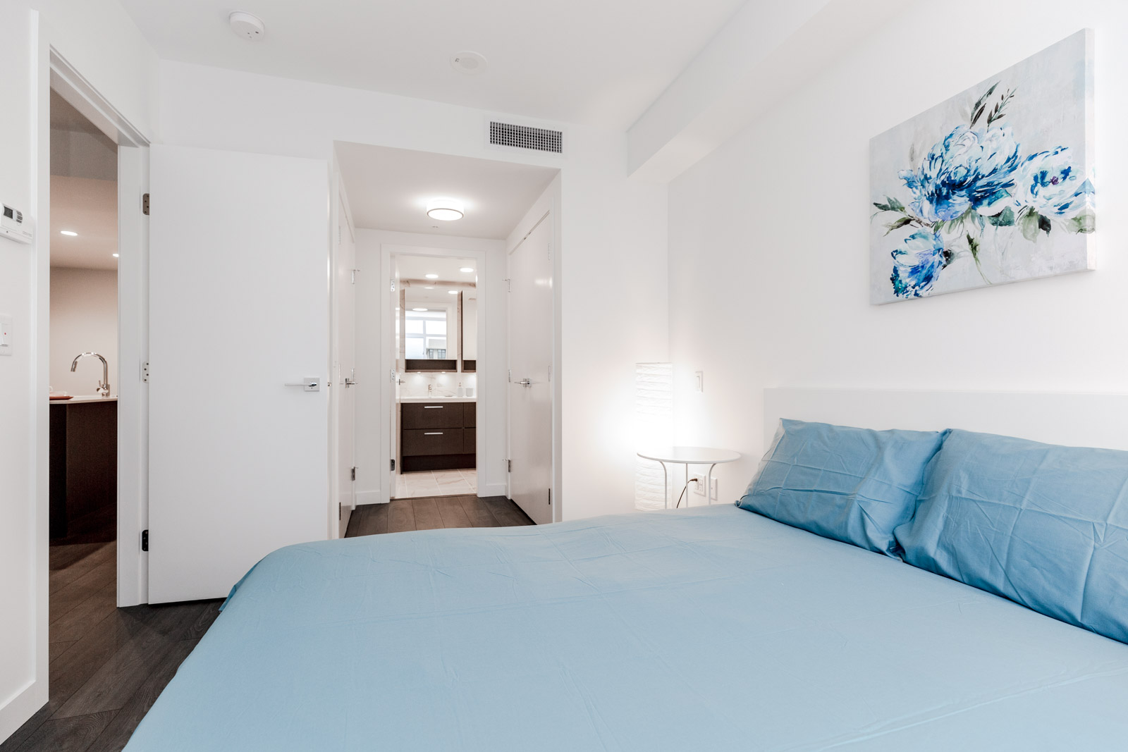 Bedroom with Ensuite in Richmond Condo Listed by Birds Nest Properties Property Management