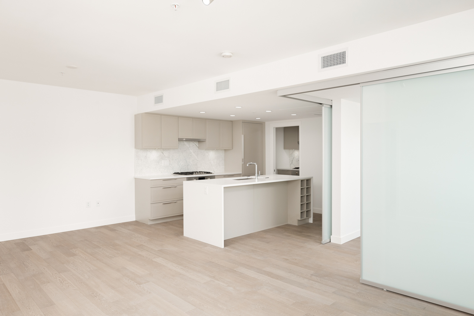 Kitchen and dining area of Vancouver rental townhome.