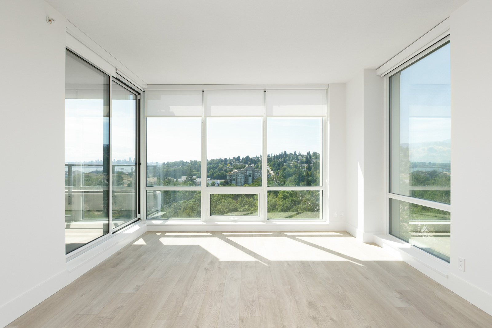 North Vancouver luxury rental condo with view.