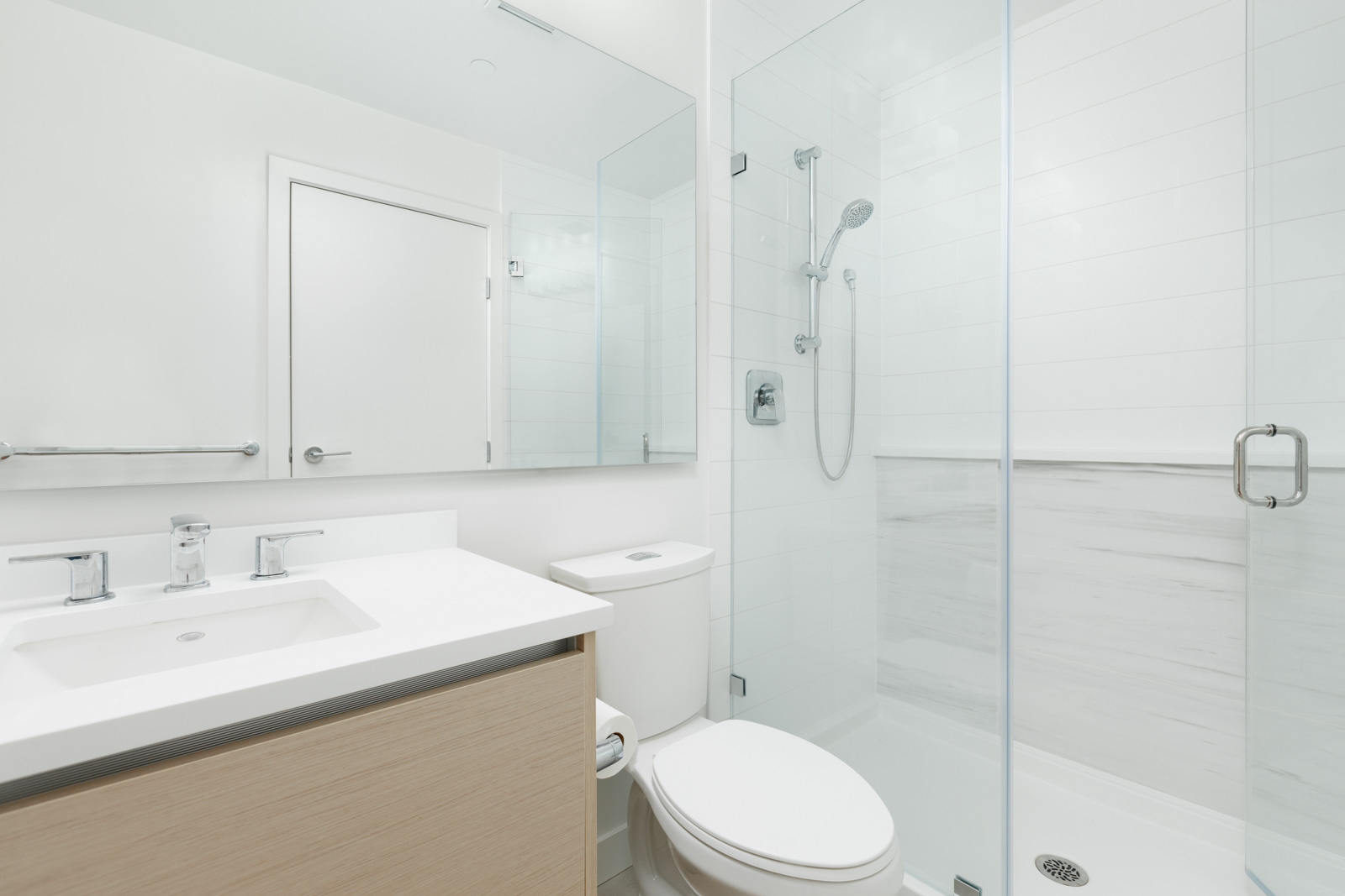 Bathroom inside Burnaby luxury penthouse for rent by Vancouver property management.