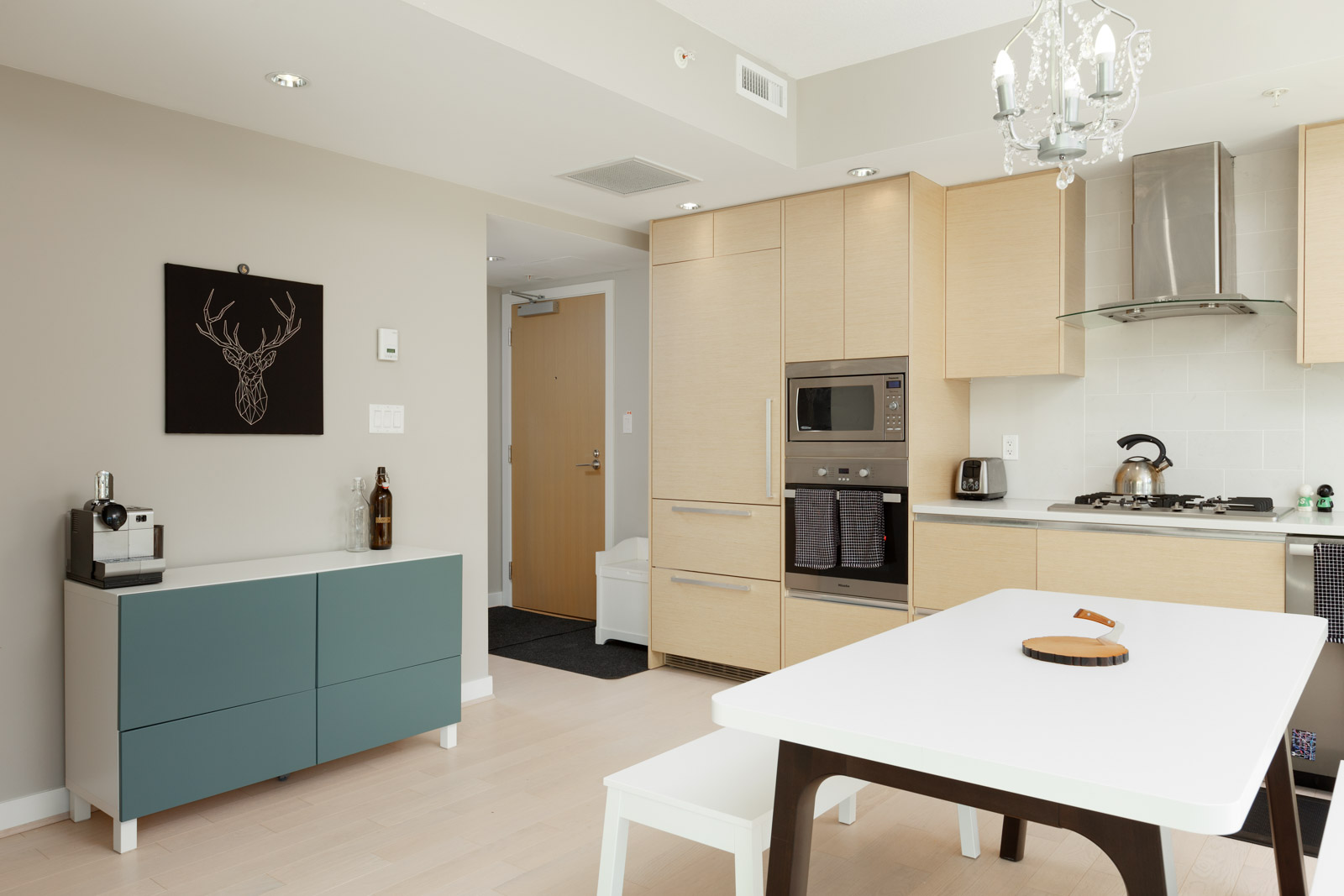 Kitchen and dining area of Vancouver condo rental.