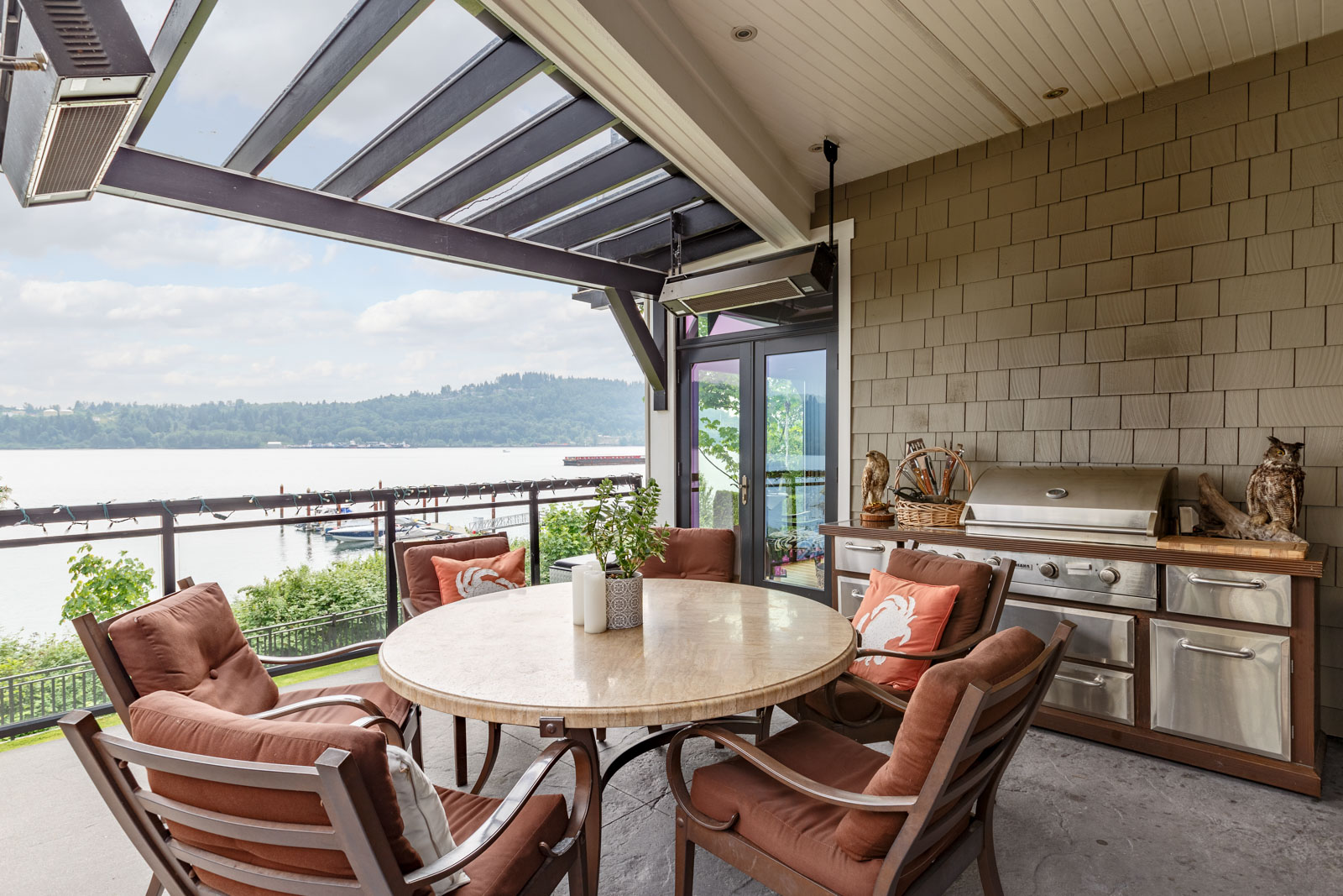 Porch on balcony of North Vancouver luxury rental.