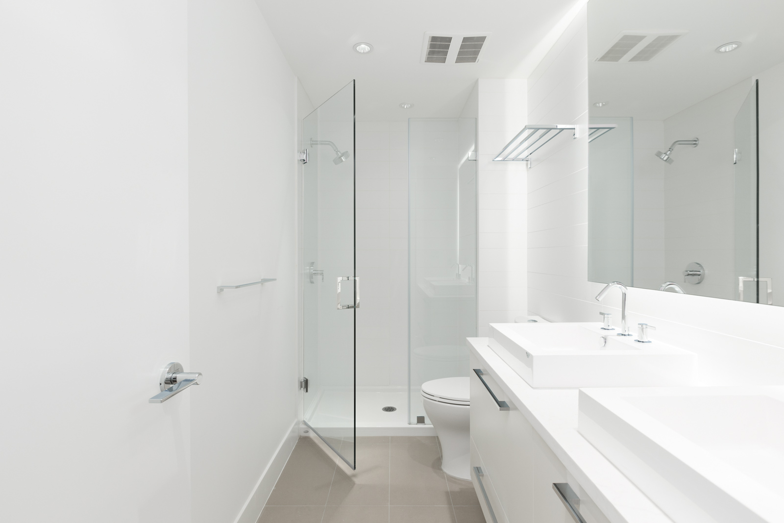 Condo bathroom in Kings Crossing condo rental property in Highgate village and Edmonds neighbourhood in Burnaby
