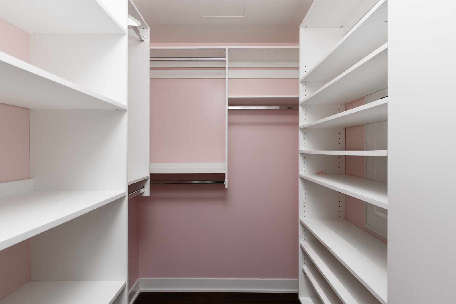Organized closet in Kits360 condo managed by Birds Nest Properties
