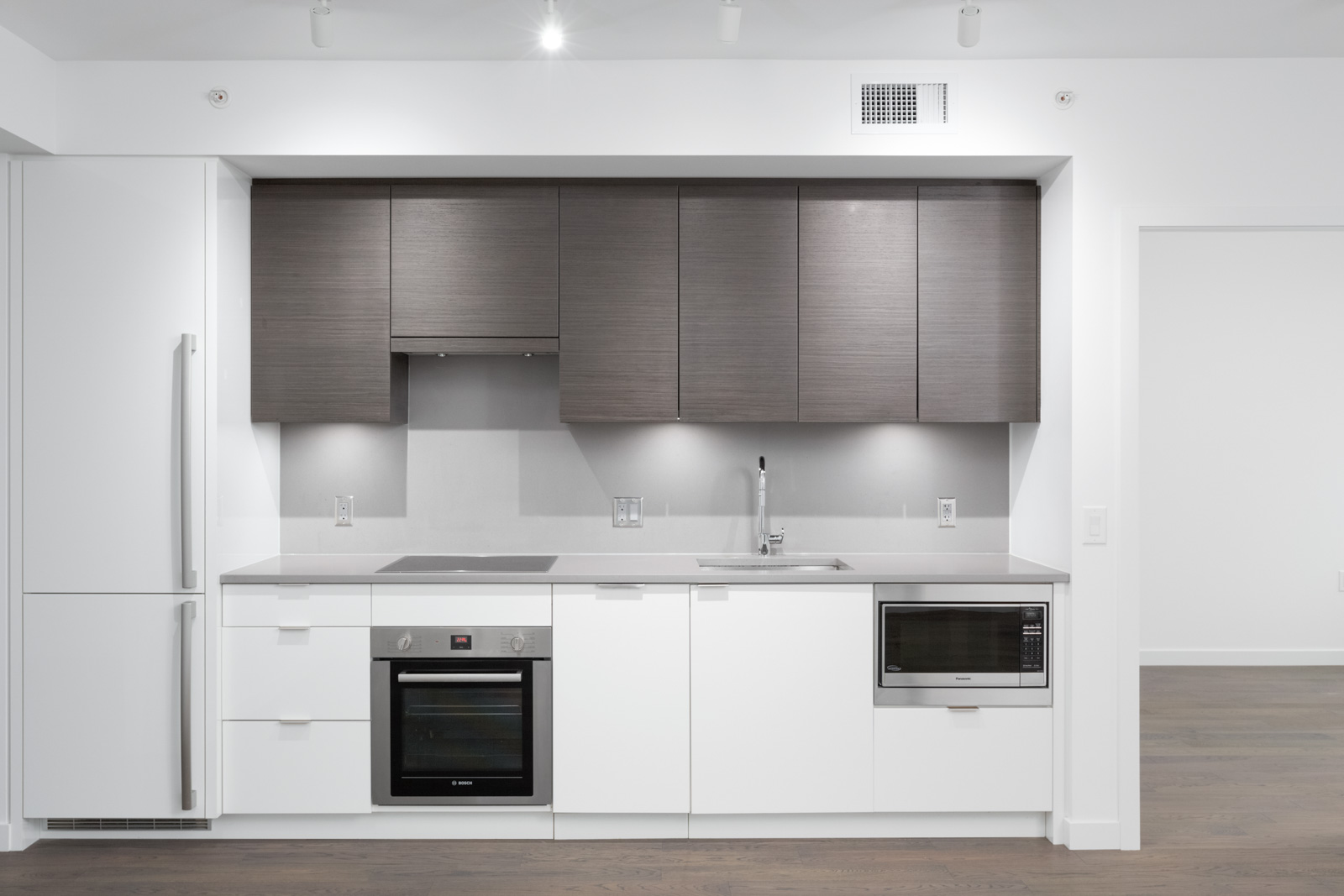 kitchen in navio south leed gold building in olympic village vancouver condo rental managed by birds nest properties