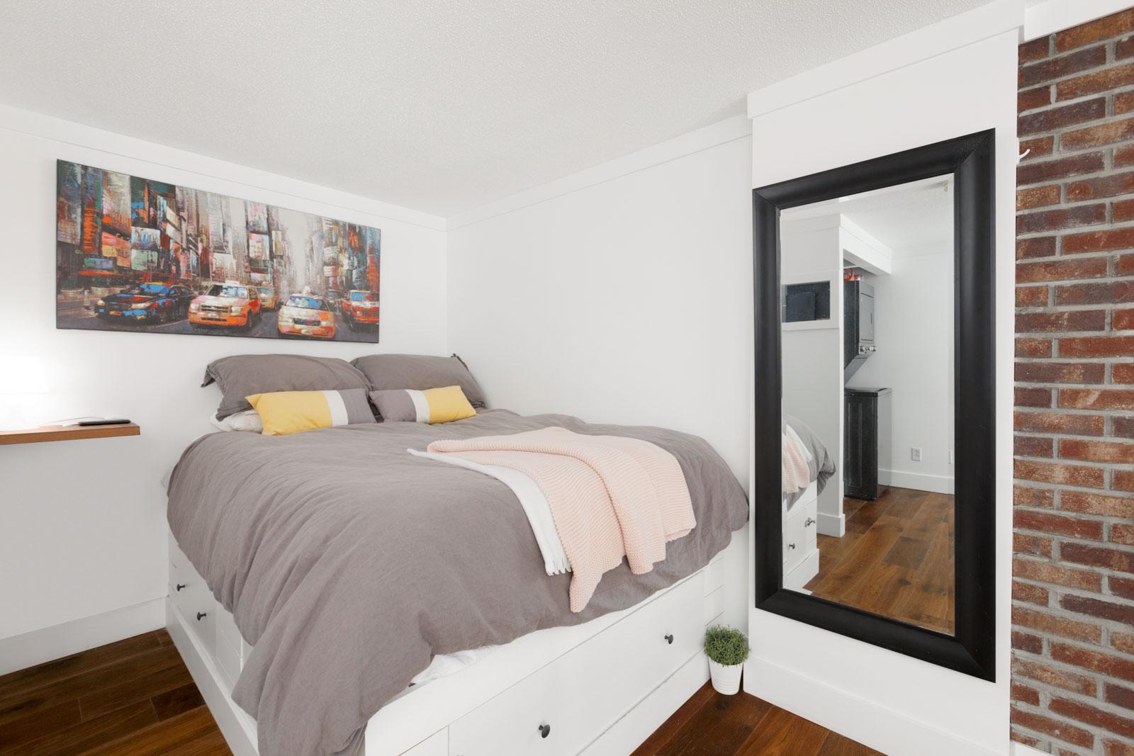 Bedroom in 933 Seymour Street Loft