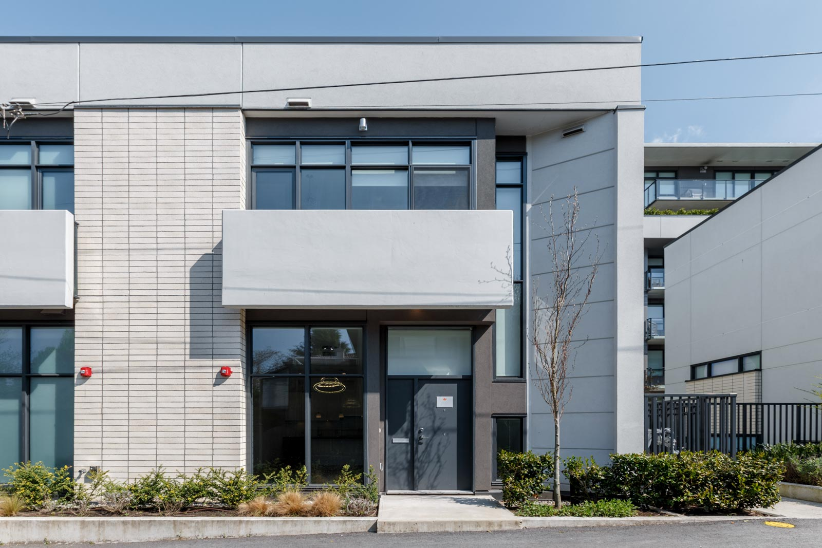Modern architectural design and outside of a rental townhouse in West Vancouver listed by Birds Nest Properties in Vancouver