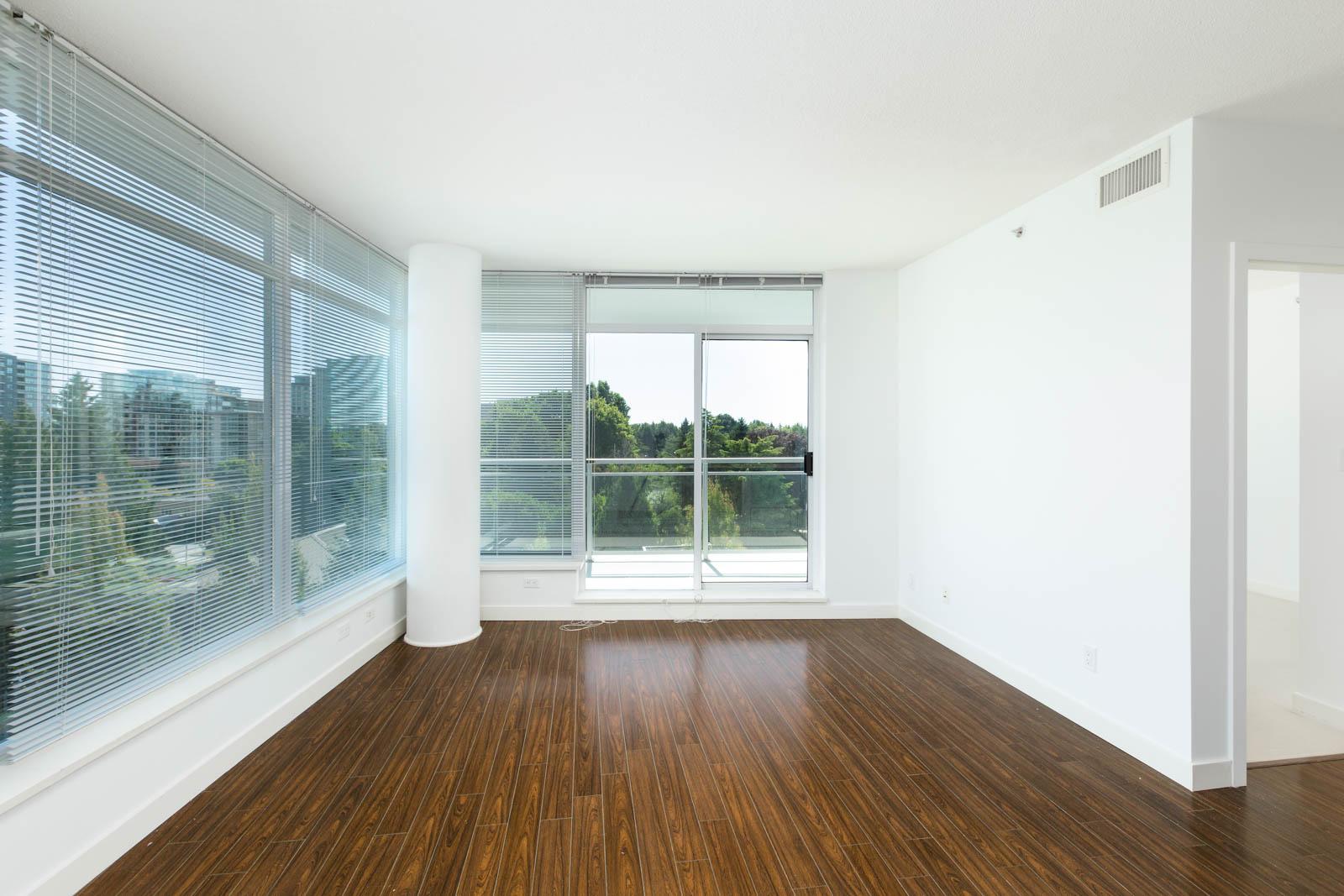 living room with hardwood floors in rental condo in the Garden City neighbourhood of Richmond