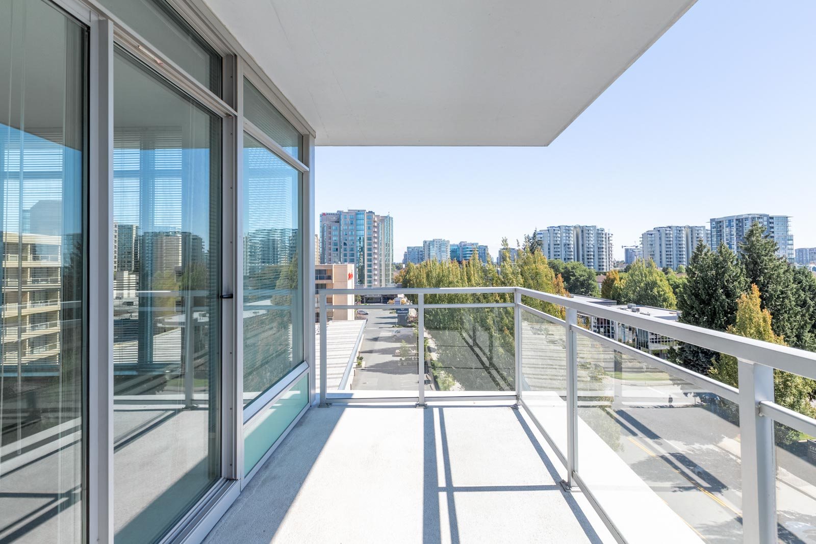 balcony with view of clear skies in rental condo in the Garden City neighbourhood of Richmond