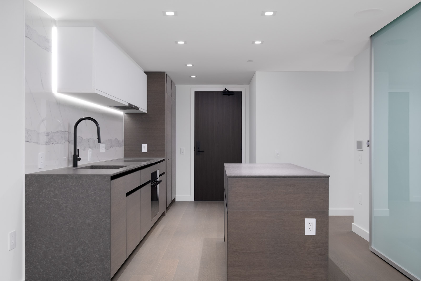 kitchen in rental condo at cardero in coal harbour neighbourgood of vancouver