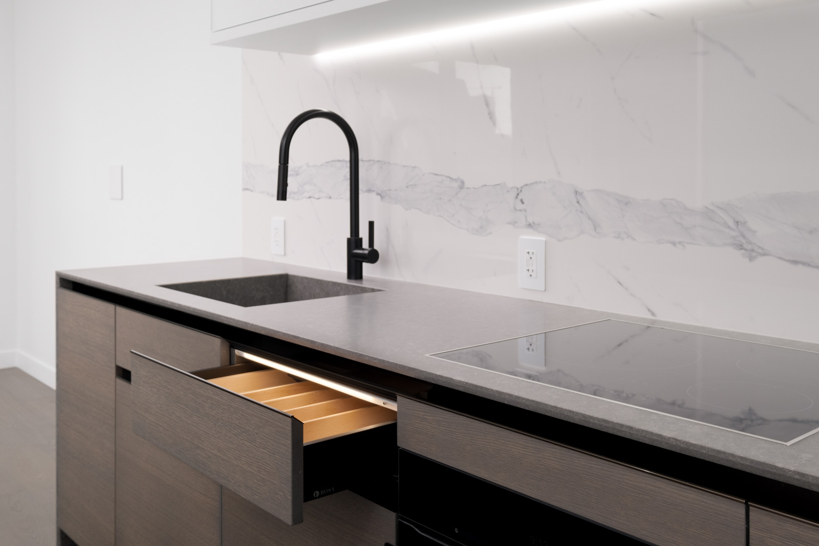 quartz countertops in rental condo at cardero in coal harbour neighbourgood of vancouver