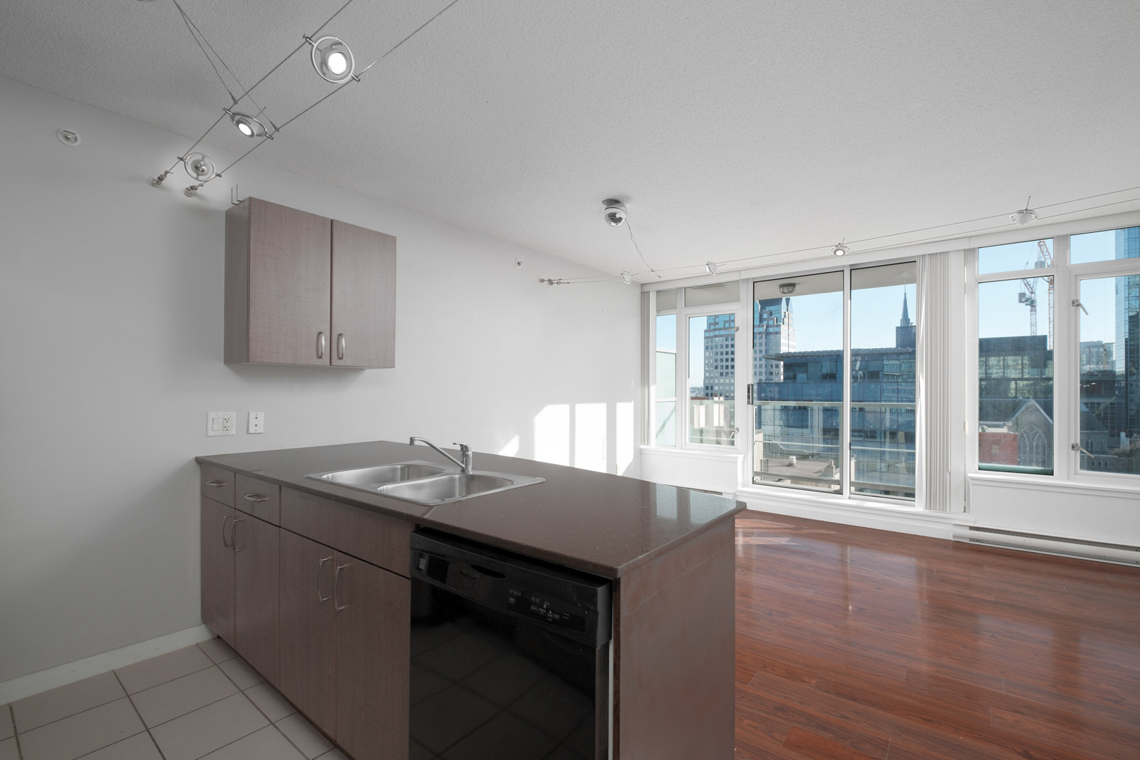 kitchen in rental house in the downtown neighbourhood of Vancouver