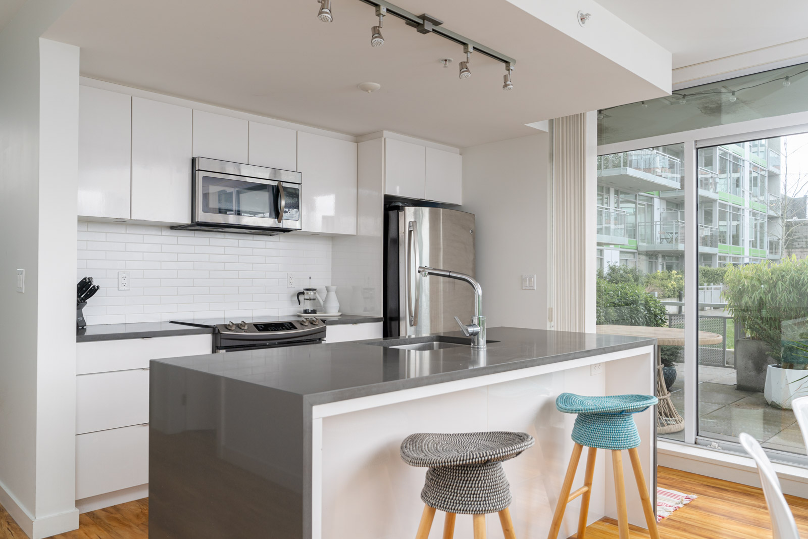 kitchen in rental house in the Mount pleasant neighbourhood of Vancouver