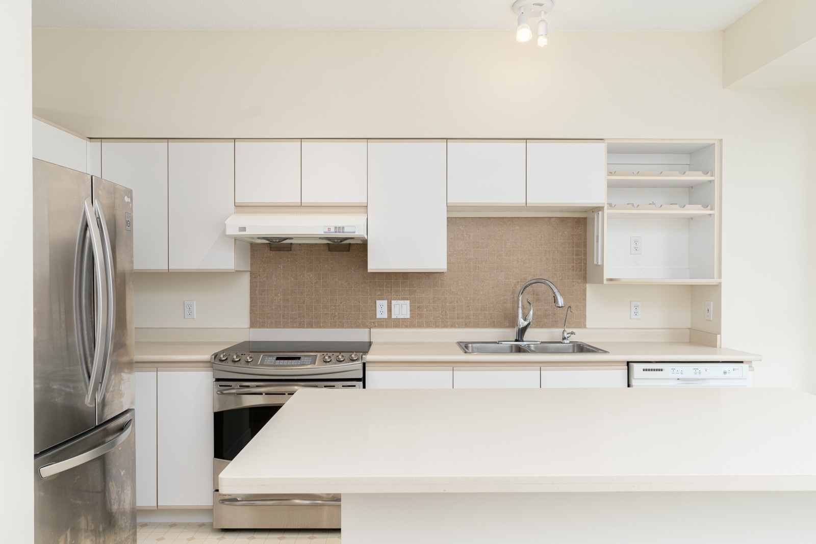 kitchen in rental house in the East Cambie neighbourhood of Richmond