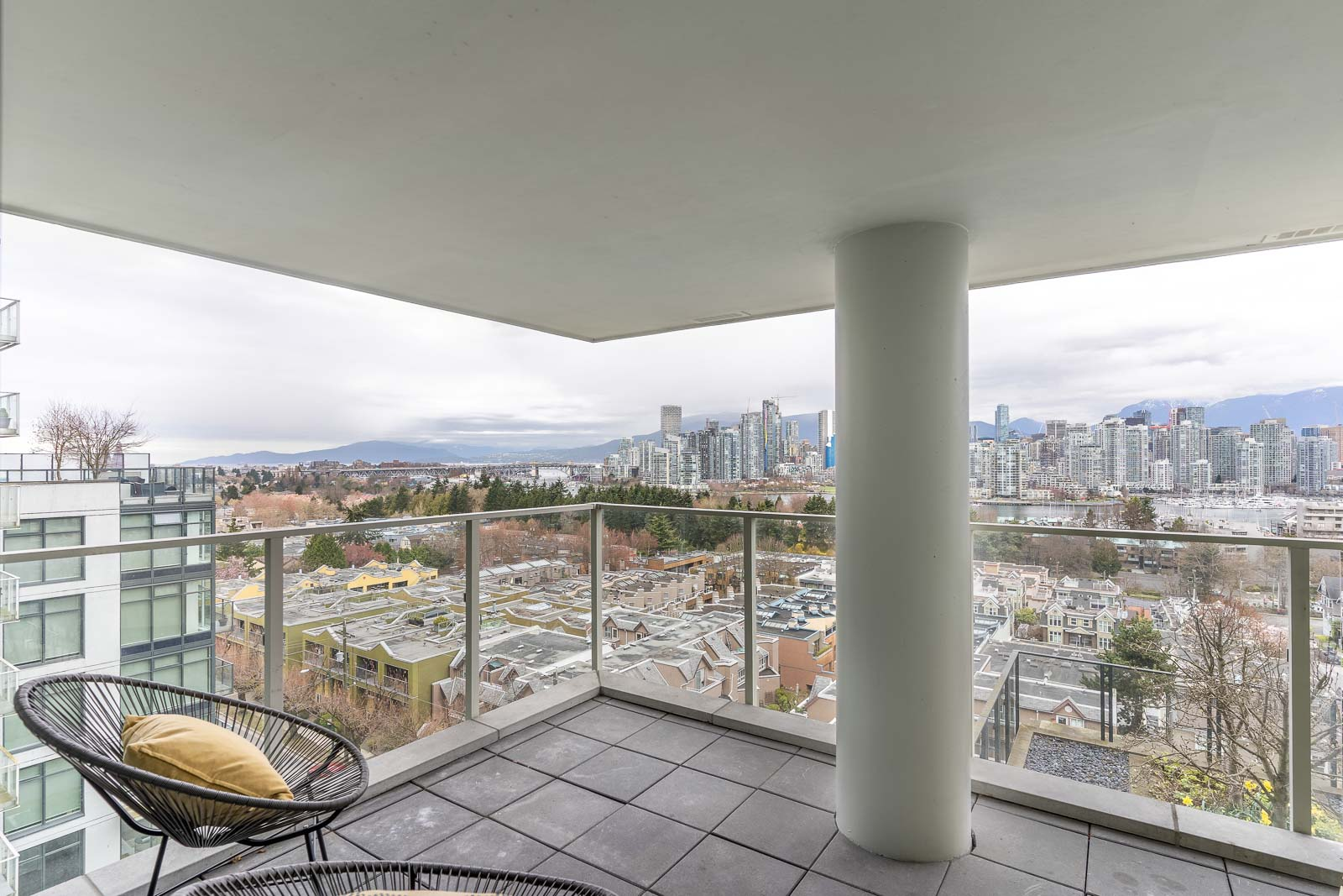 spacious balcony at 700WEST8TH building