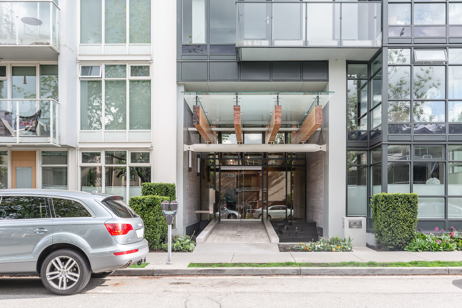 front of 700WEST8TH