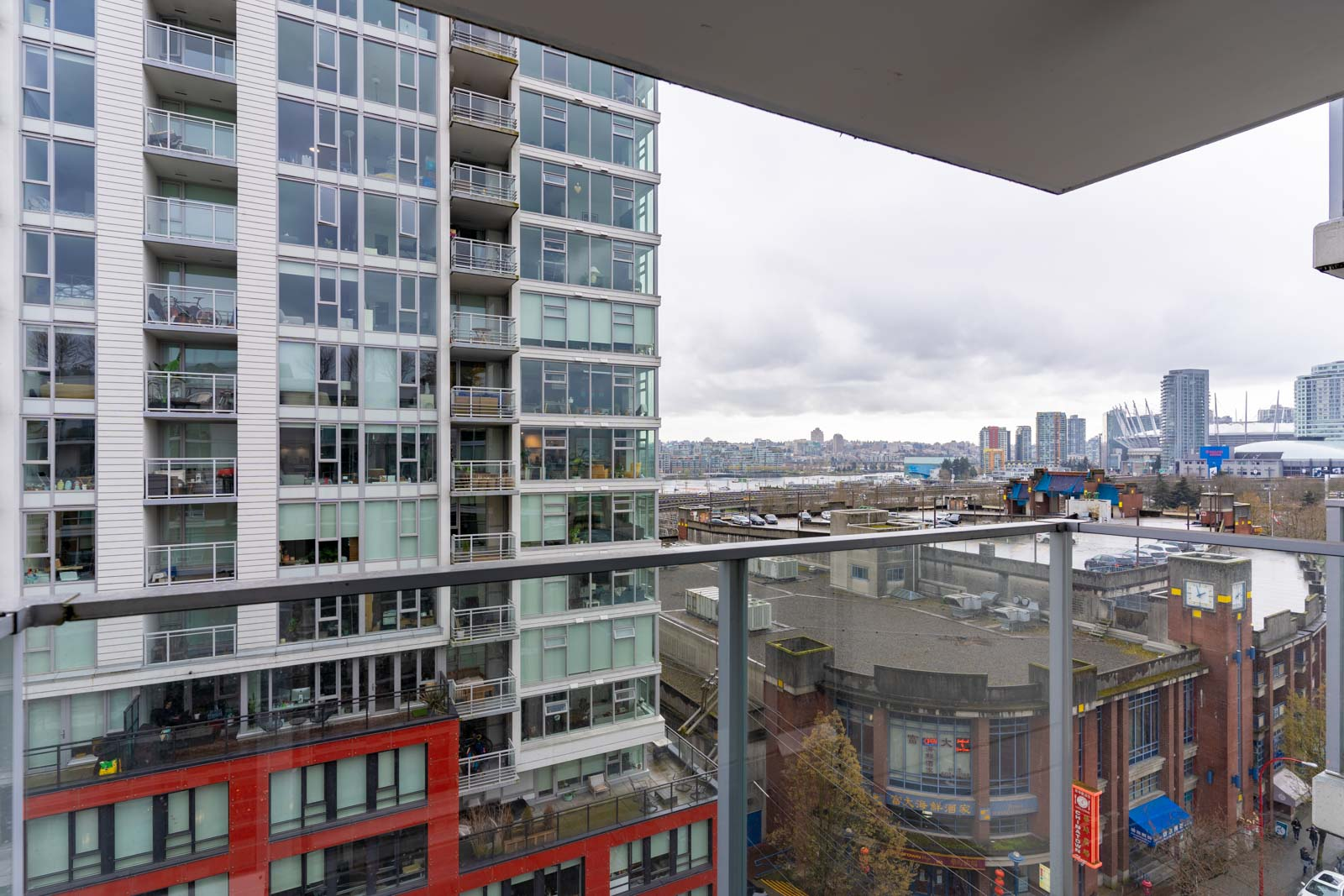 view overlooking the city landscape of downtown Vancouver in condo managed by Birds Nest Properties