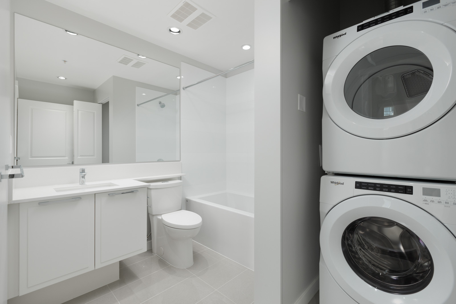 washer and dryer located in high end unit