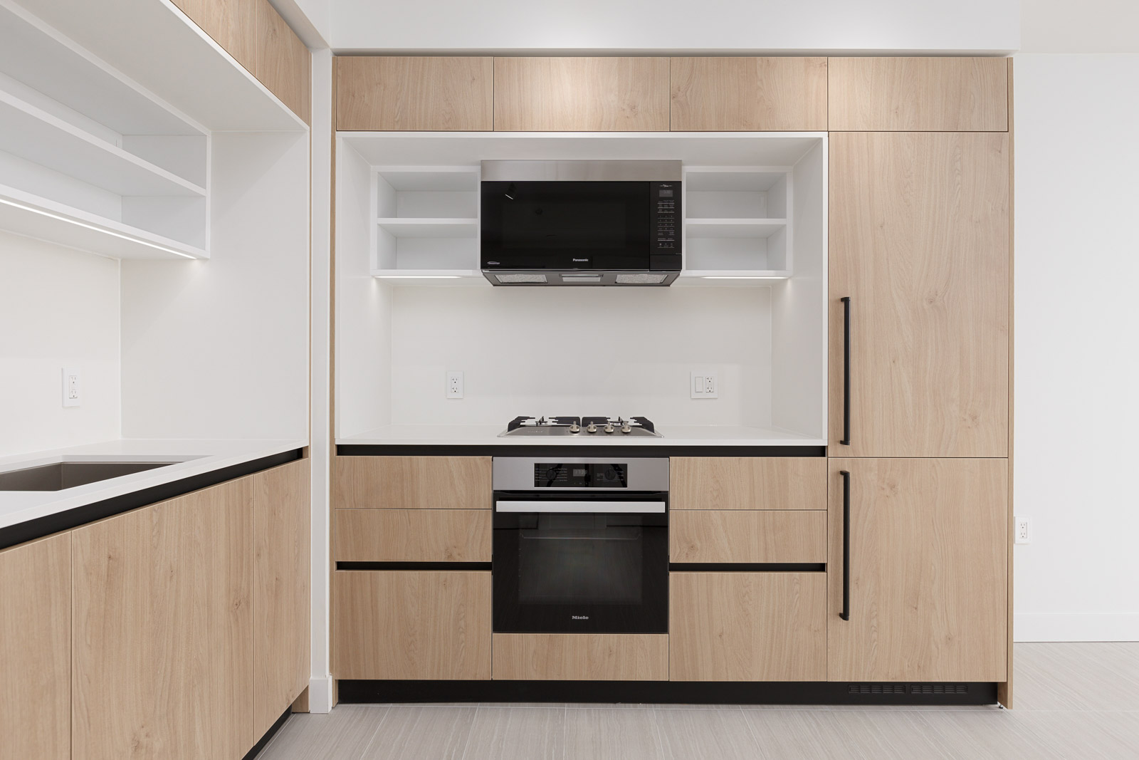 kitchen with high end amenities