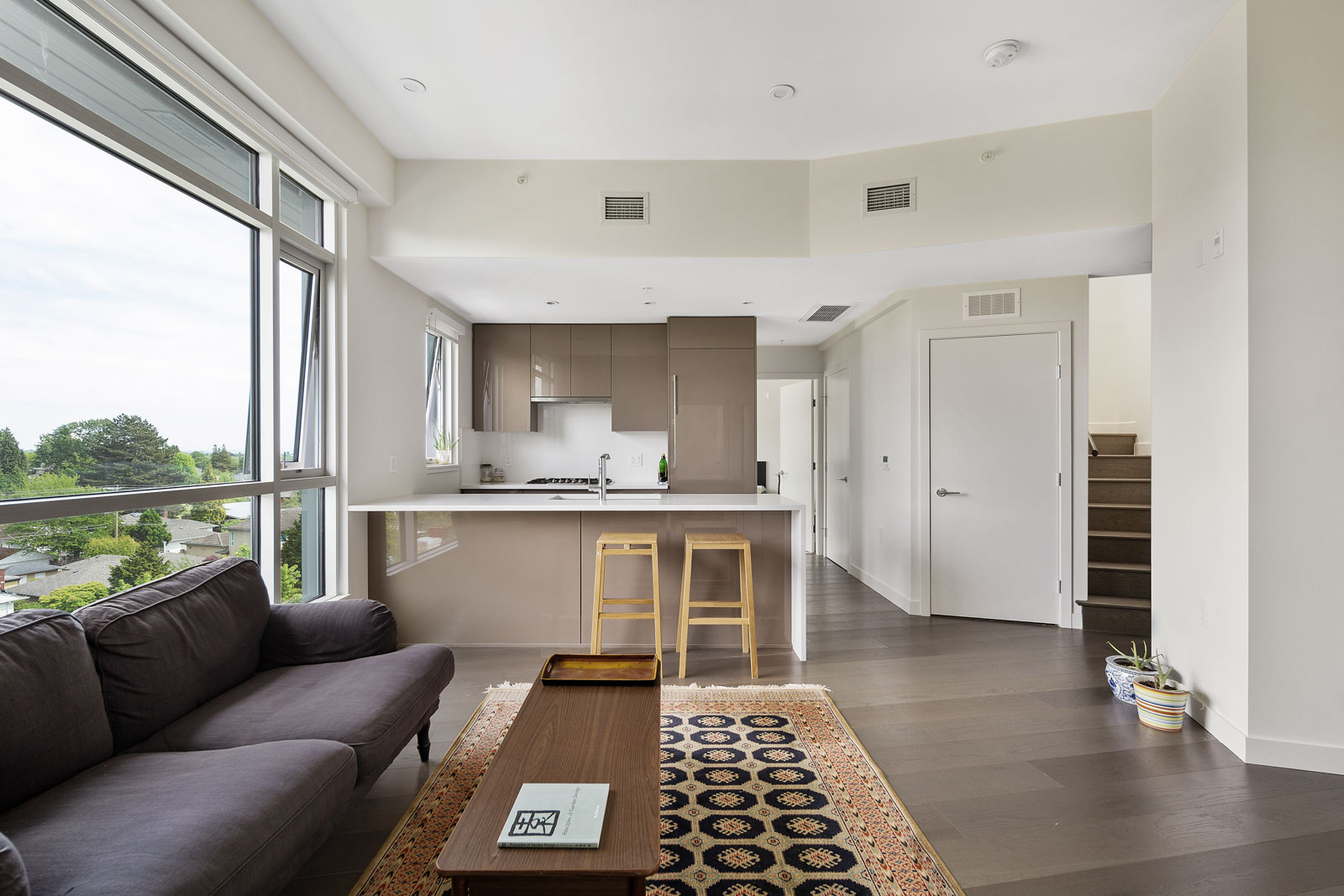 open concept floor plan in high end condo managed by Birds Nest Properties